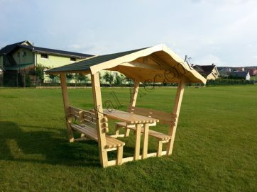 Foisor din lemn pentru gradina cu masa si banca