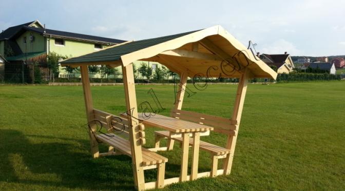 Foisor din lemn pentru gradina, cu masa si banca