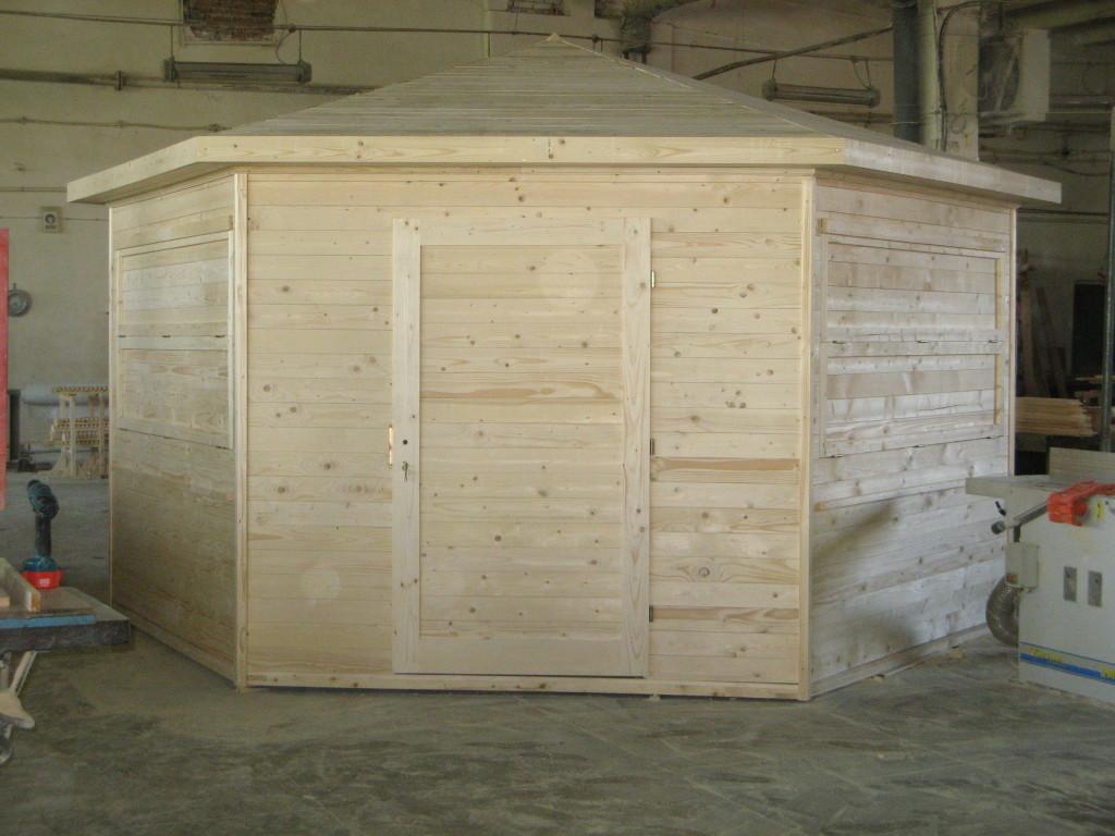 Chiosc hexagonal din lemn in panouri